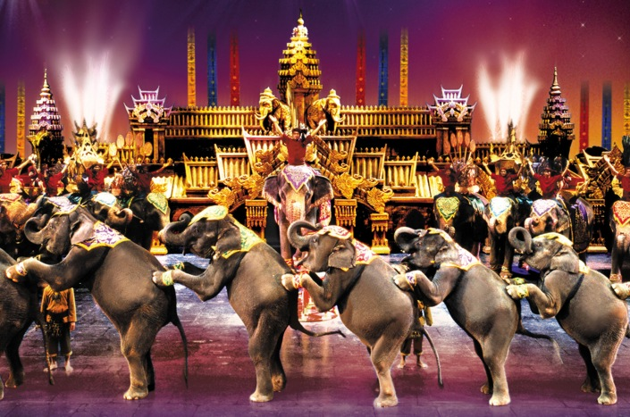 http://atexploresiam.files.wordpress.com/2014/04/phuket-fantasea-show-elephants